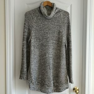 ✨H&M Knit Turtleneck Sweater Sz S
